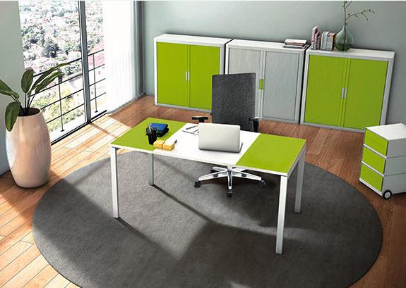 Mit Büromöbeln können farbige Akzente gesetzt werden