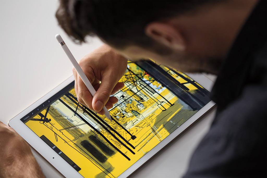 iPadPro_Pencil_Lifestyle1