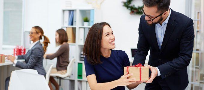 Weihnachtsgeschenke Mitarbeiter.Geschenkideen Weihnachtsgeschenke Für Geschäftspartner Und Kunden