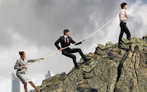 Auf spielerische Art und Weise den Teamgeist stärken