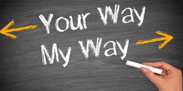 Your Way mit einem Pfeil nach links und My Way mit einem Pfeil nach rechts.
