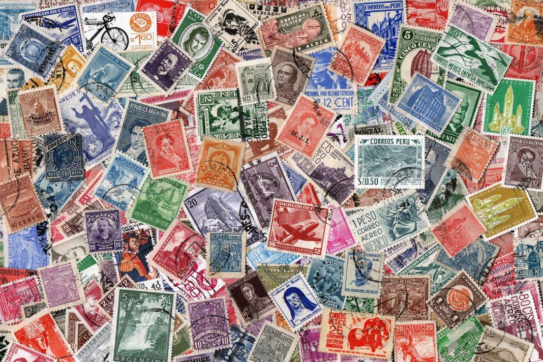Unsortierte Sammlung von gebrauchten Briefmarken (USA).